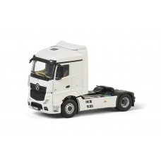 White Line: MB Actros StreamSpace