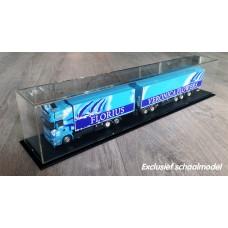 Vitrine for road train